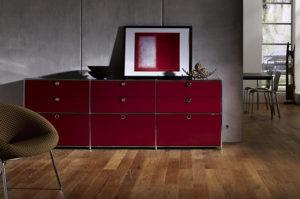 System 4 von Viasit – Sideboard in rot mit Schubladenelementen